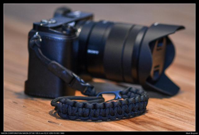 Mijn Sony A6000 met DSPTCH Wrist Strap